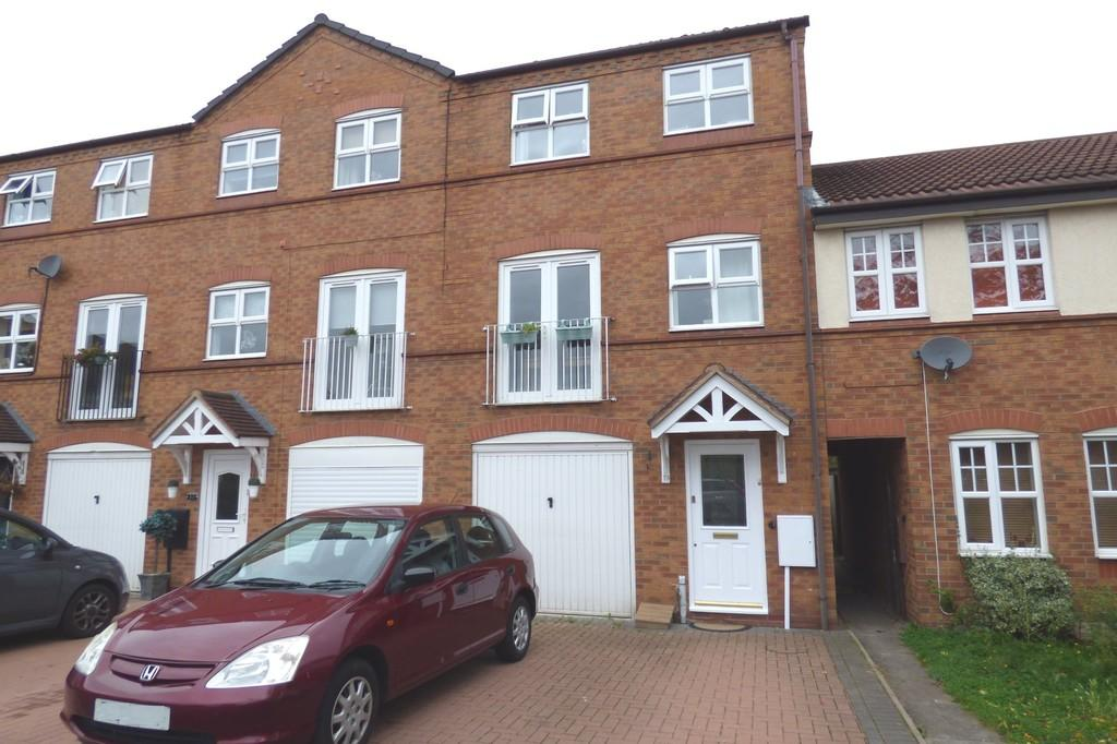 3 Bedrooms Town House for sale in Brent Close, Stafford