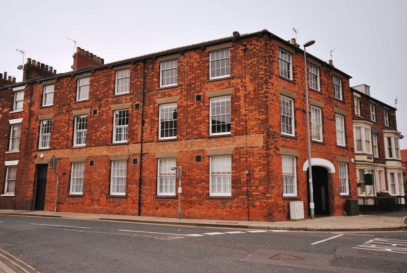2 Bedrooms Apartment Flat for sale in Collison House, Trinity Lane, Beverley