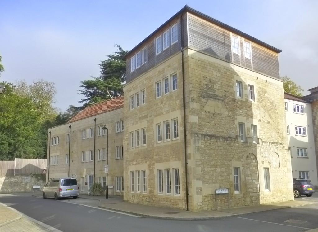 1 Bedroom Ground Flat for sale in Norden, Bradford on Avon