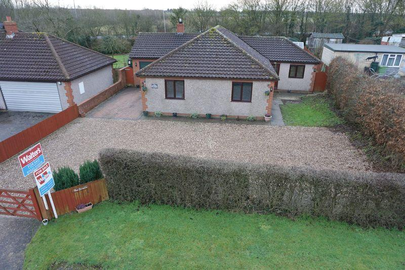 3 Bedrooms Detached Bungalow for sale in Lincoln Road, Goltho, Wragby