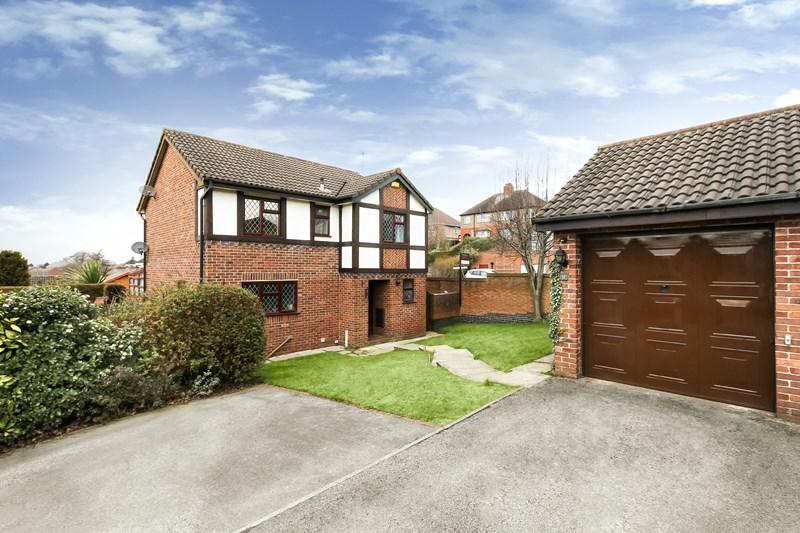 4 Bedrooms Detached House for sale in St Peters Road, Congleton