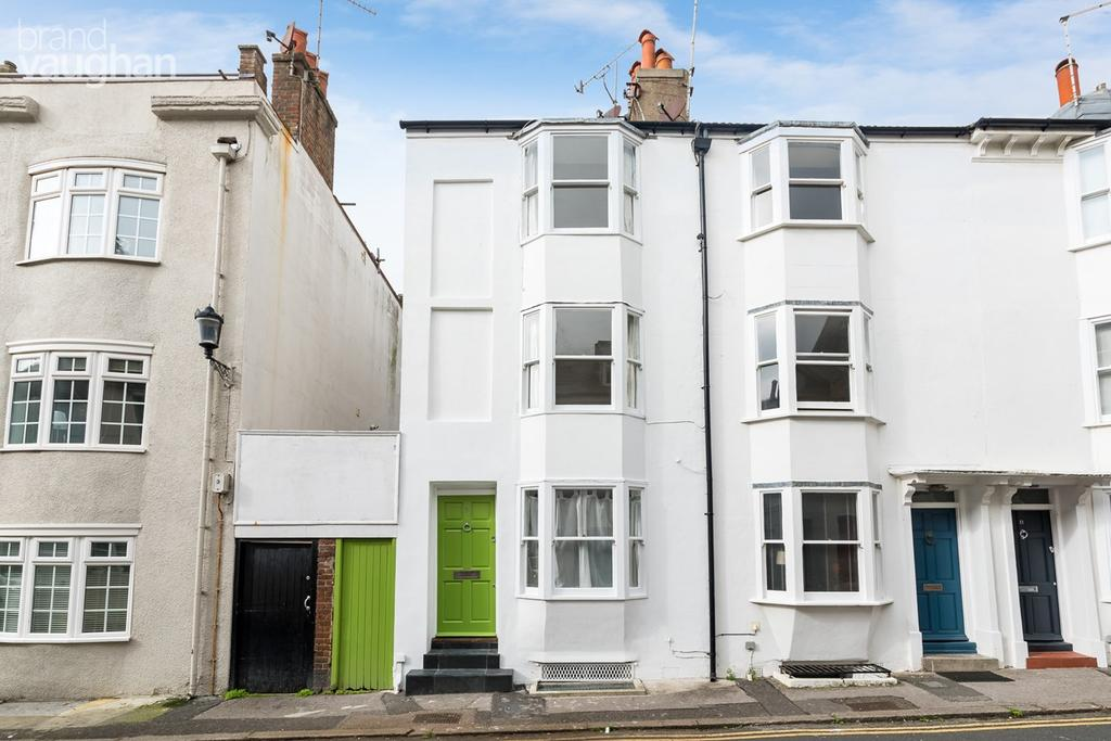 3 Bedrooms Terraced House for sale in Margaret Street, Brighton, BN2