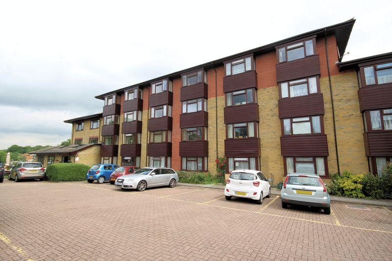 1 Bedroom Retirement Property for sale in Red Lodge, West Wickham