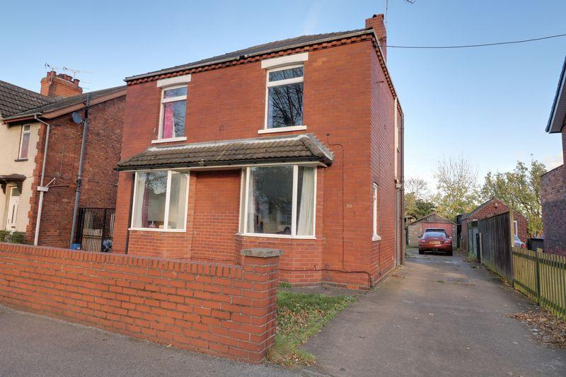 3 Bedrooms Detached House for sale in Henderson Avenue, Scunthorpe