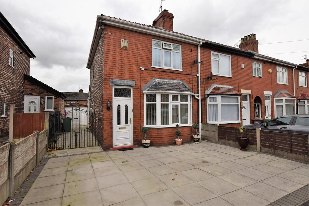 2 Bedrooms End Of Terrace House for sale in Norton Grove, Thatto Heath, St. Helens