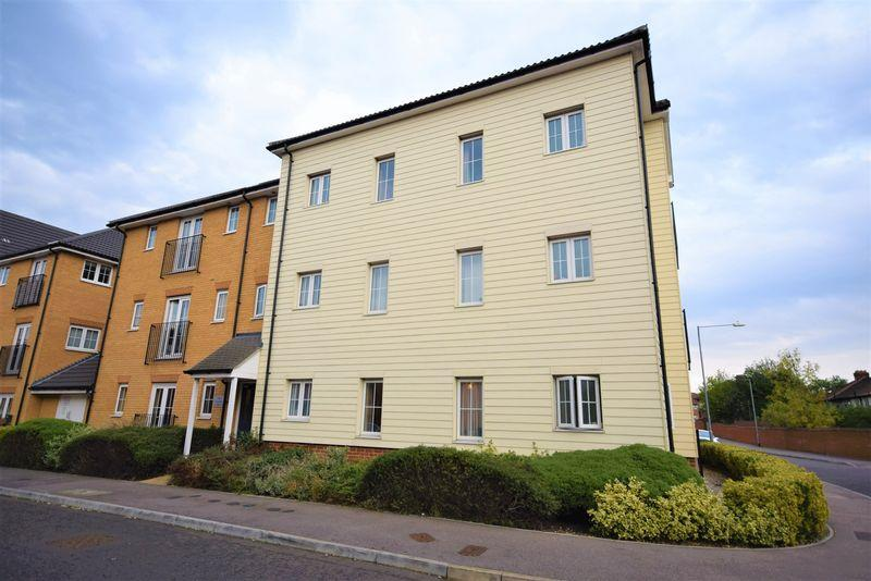2 Bedrooms Apartment Flat for sale in Panyers Gardens, Dagenham