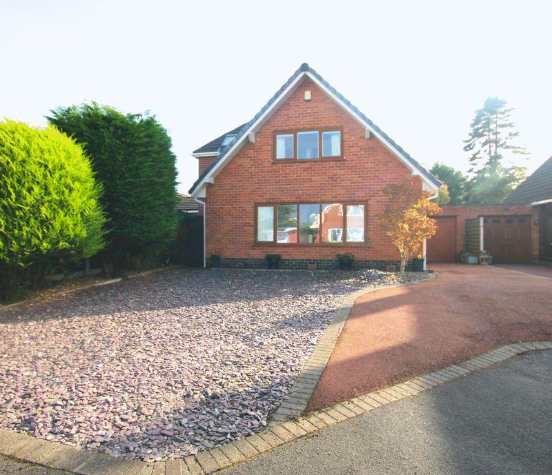 3 Bedrooms Detached House for sale in Fengrove, Longton