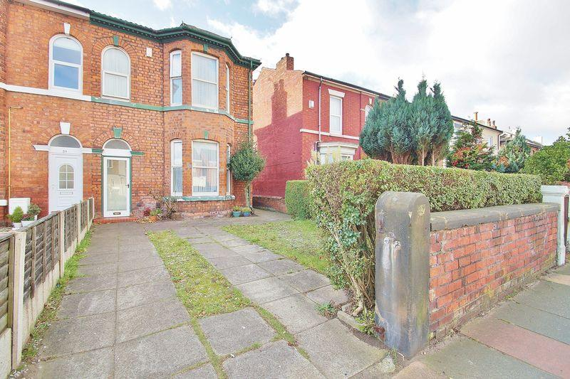3 Bedrooms Semi Detached House for sale in Virginia Street, Southport