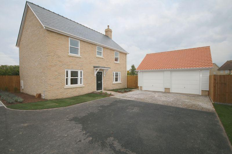 4 Bedrooms Detached House for sale in 3 Hamilton Garden, Fordham
