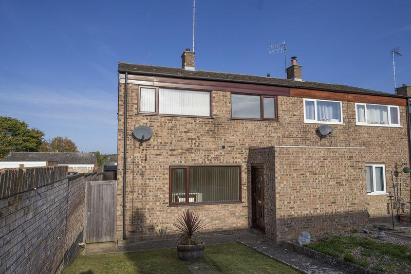 3 Bedrooms Semi Detached House for sale in Sherborne Road, Bury St Edmunds