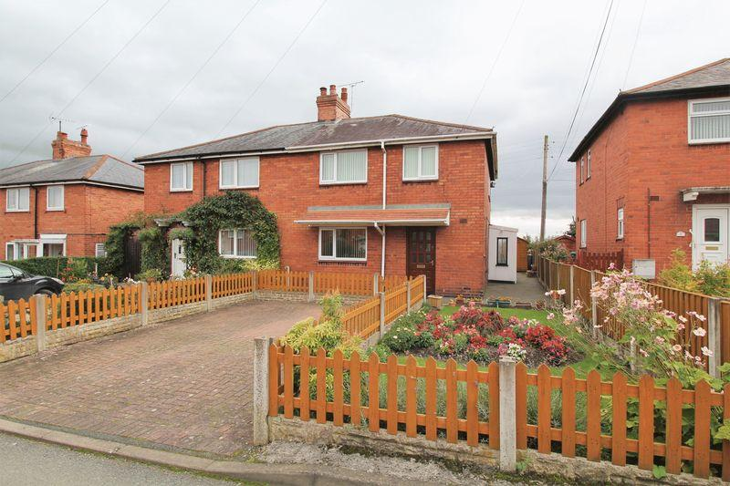 3 Bedrooms Semi Detached House for sale in Cefn Mawr, Wrexham