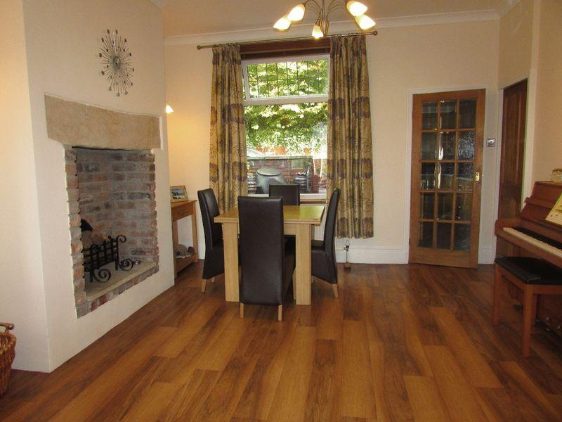 4 Bedrooms Terraced House for sale in Ashdene, Walsden, Todmorden