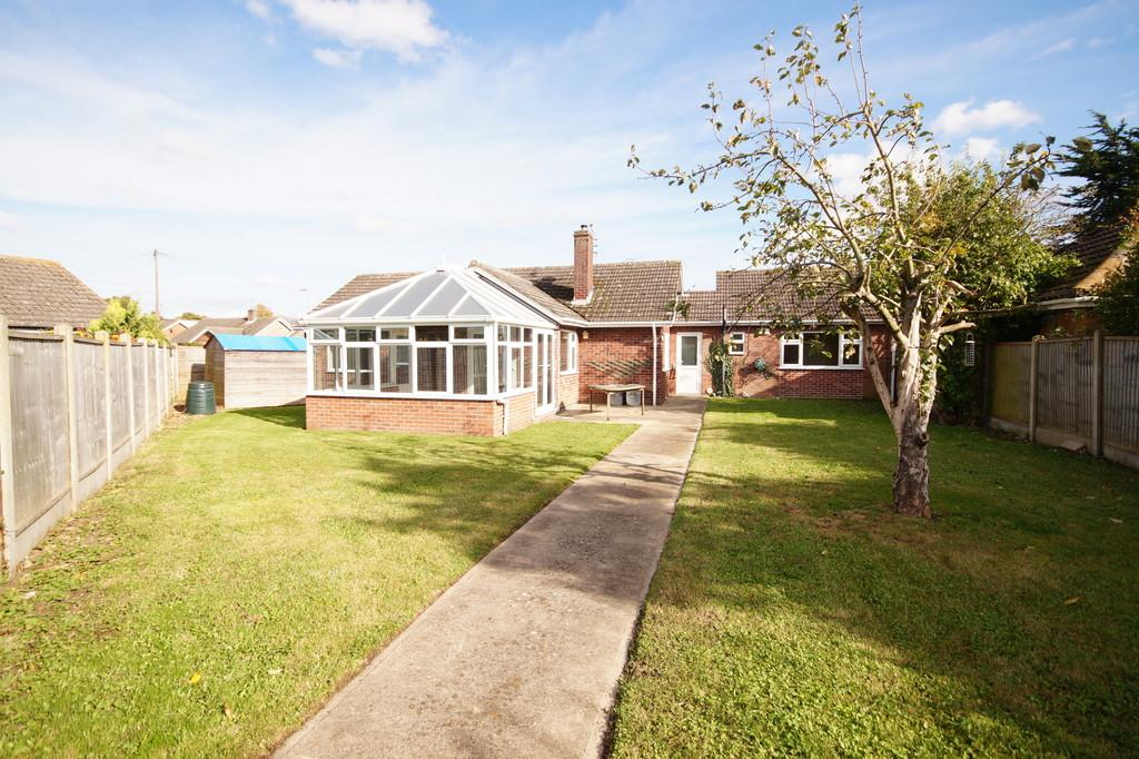 4 Bedrooms Detached Bungalow for sale in Robertson Close, Waddington, Lincoln
