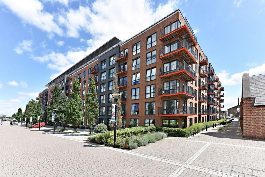 1 Bedroom Penthouse Flat for sale in Pavilion Square Woolwich SE18