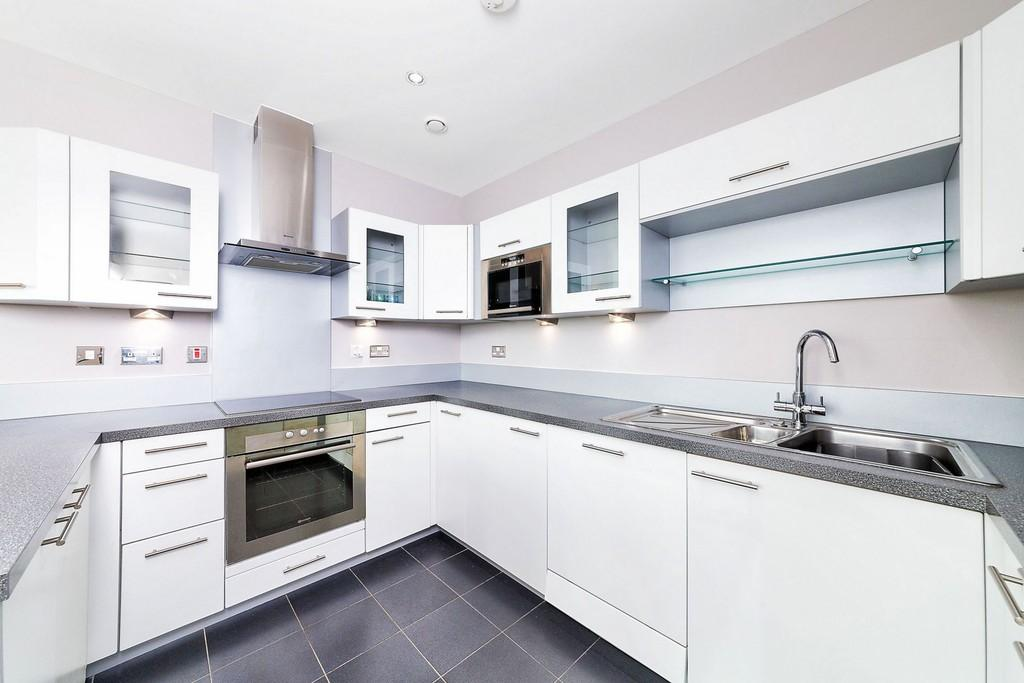 2 Bedrooms Apartment Flat for sale in Western Gateway Royal Victoria Dock E16