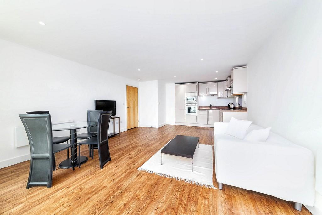 2 Bedrooms Apartment Flat for sale in Basin Approach Gallions Reach E16
