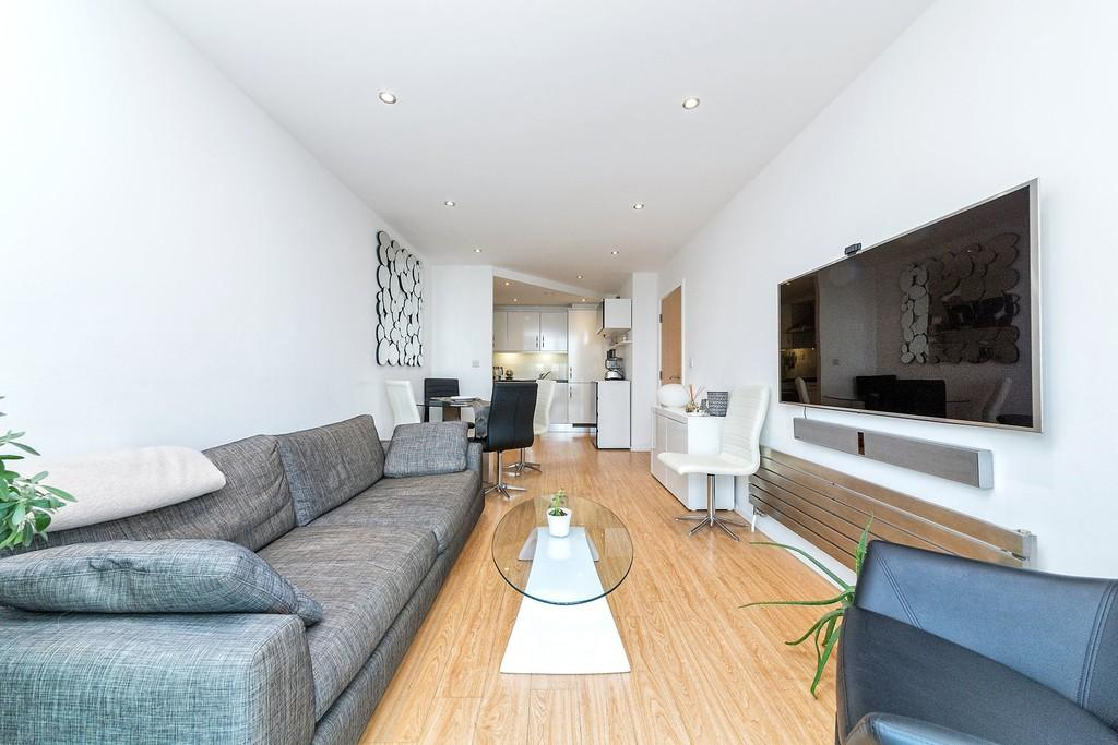 2 Bedrooms Apartment Flat for sale in Seagull Lane Royal Victoria Docks E16