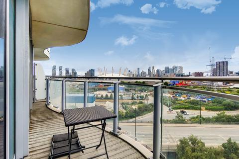 1 bedroom apartment - Hoola Royal Victoria Dock E16
