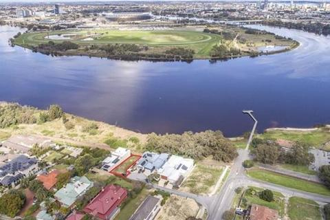 4 bedroom property with land  - 13 McEvoy Cove, MAYLANDS, WA 6051