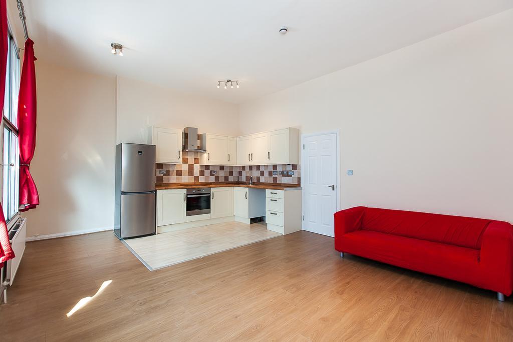 2 Bedrooms Flat for sale in Kilburn High Road, London