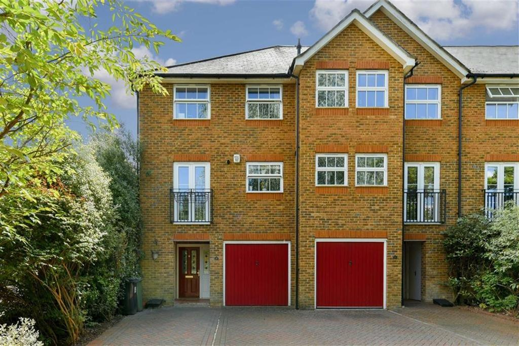 4 Bedrooms End Of Terrace House for sale in Horton Crescent, Epsom, Surrey