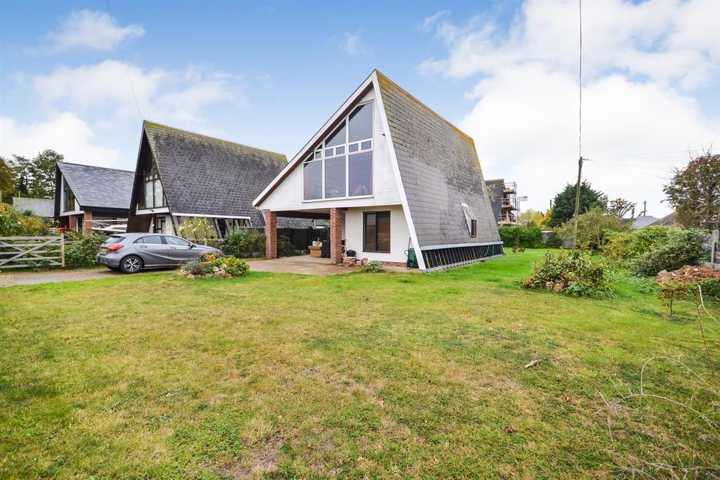 4 Bedrooms Detached House for sale in Main Road, St Lawrence