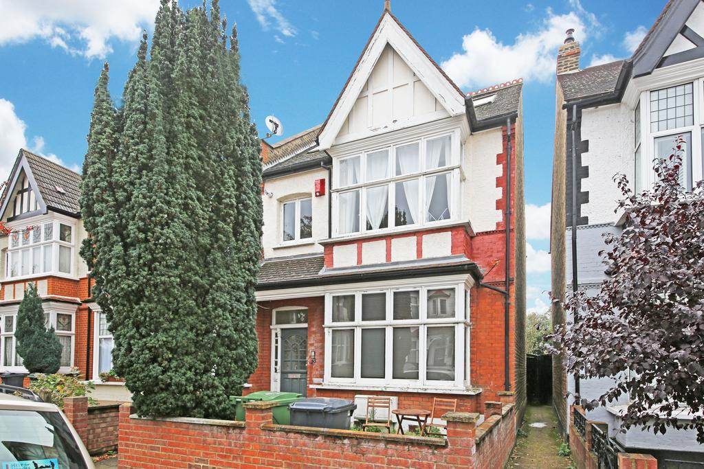 3 Bedrooms Flat for sale in Wavetree road , Streatham Hill SW2