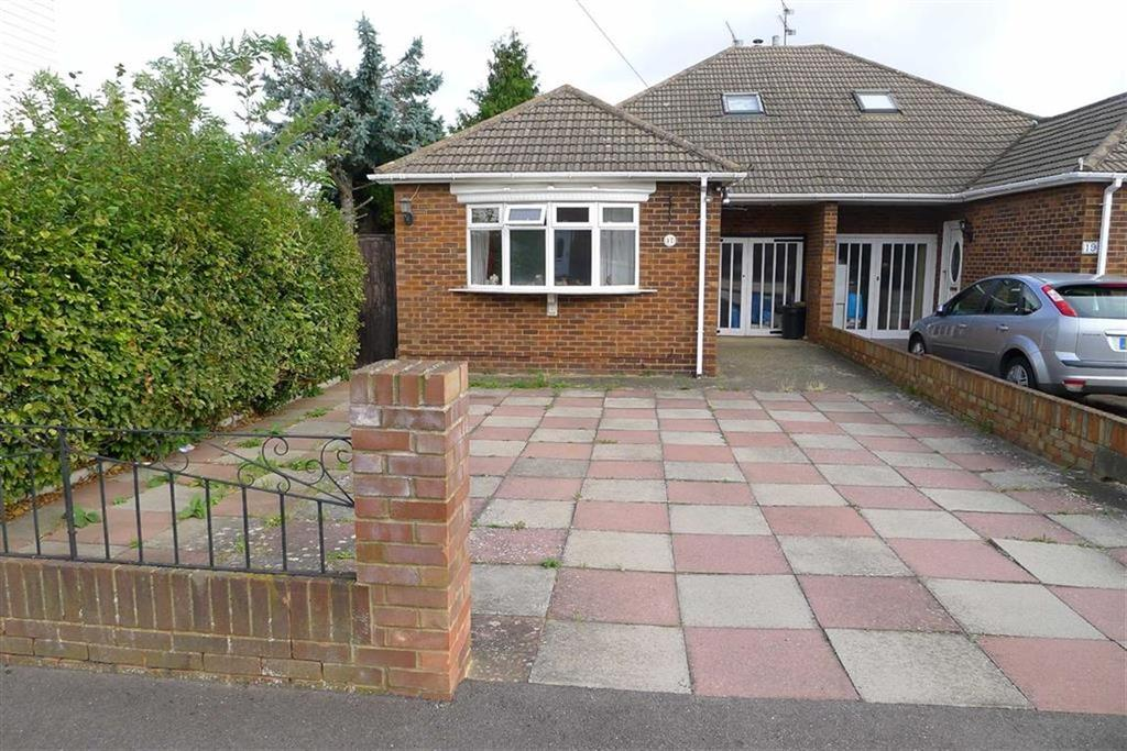 4 Bedrooms Semi Detached Bungalow for sale in William Street, Rainham, Kent, ME8