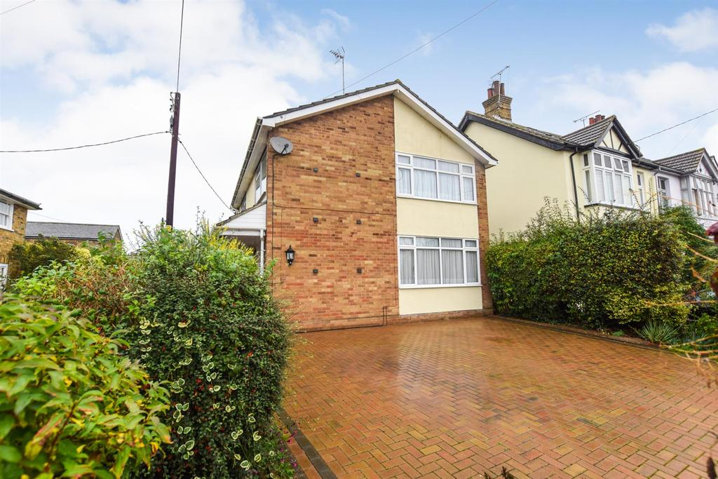 3 Bedrooms Detached House for sale in Manse Chase, Maldon
