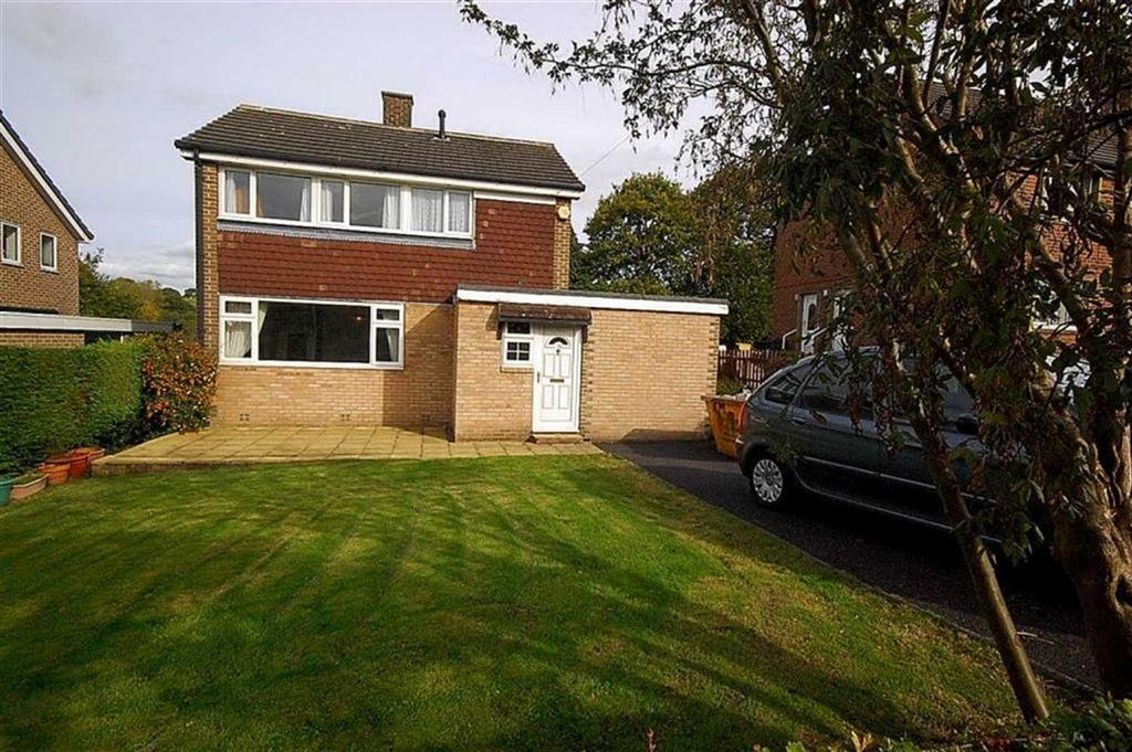 3 Bedrooms Detached House for sale in Fairfield Rise, Kirkburton, Huddersfield, HD8