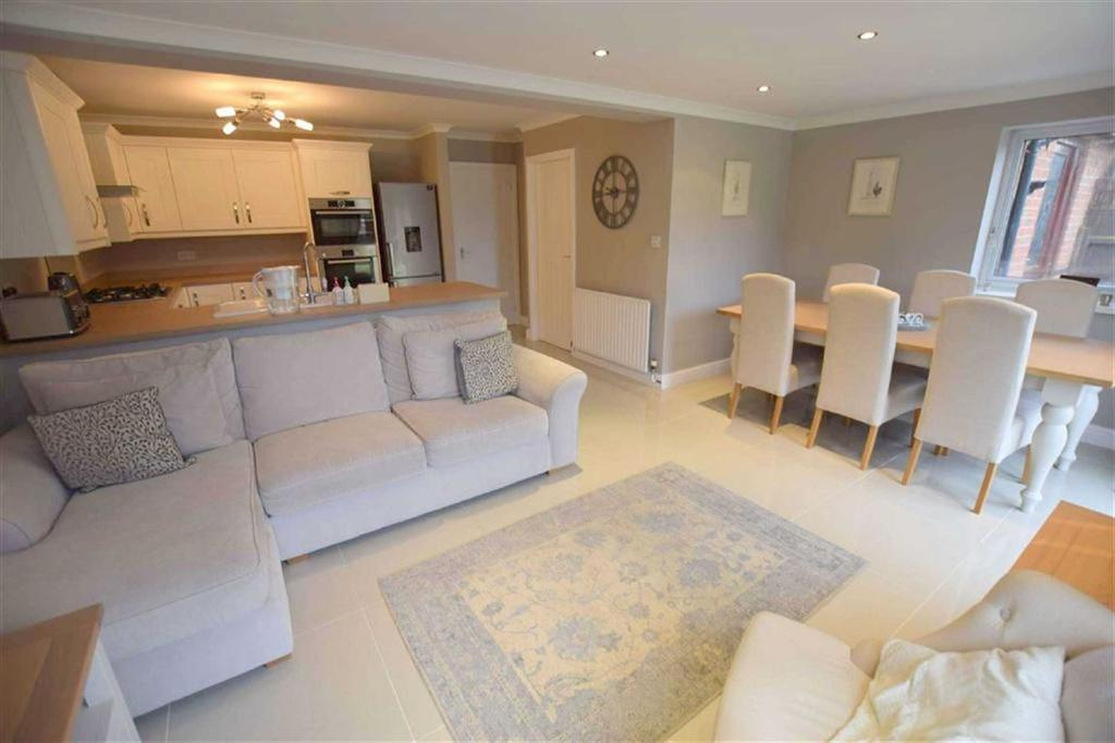 3 Bedrooms Detached House for sale in Drury Lane, Grimsby, North East Lincolnshire