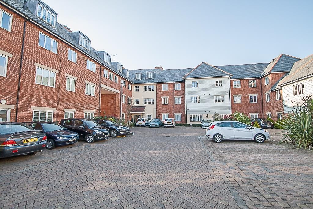 2 Bedrooms Apartment Flat for sale in Ongar Road