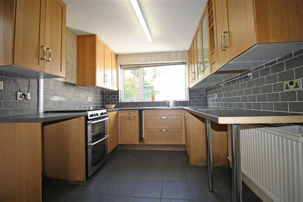 2 Bedrooms Terraced House for sale in Brook Street, Aberdare, Mid Glamorgan