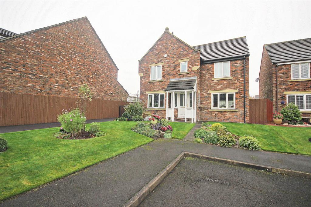 4 Bedrooms Detached House for sale in Highfield Rise, Chester Le Street