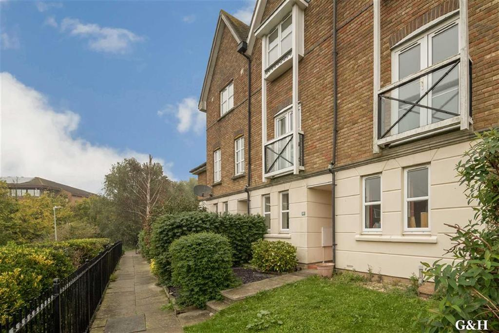 3 Bedrooms Town House for sale in Mill Court, Ashford, Kent