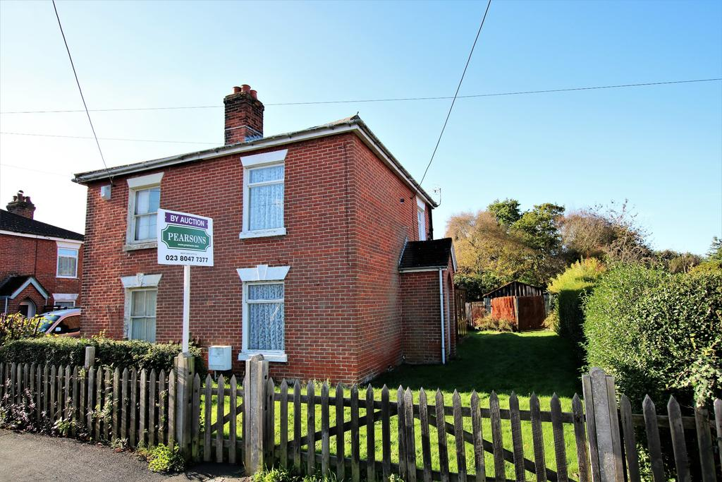 2 Bedrooms Semi Detached House for sale in Netley Abbey, Southampton