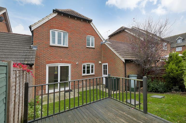 3 Bedrooms Detached House for sale in Badgers Den Ashford Kent, TN23 5LE