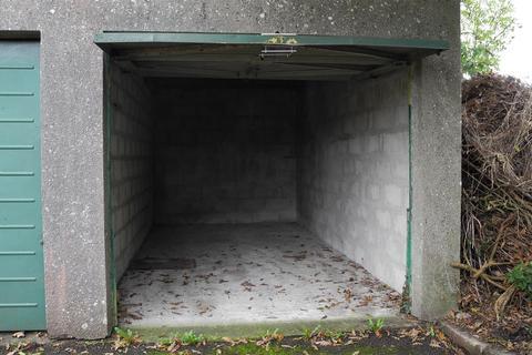 Garage for sale - Truro