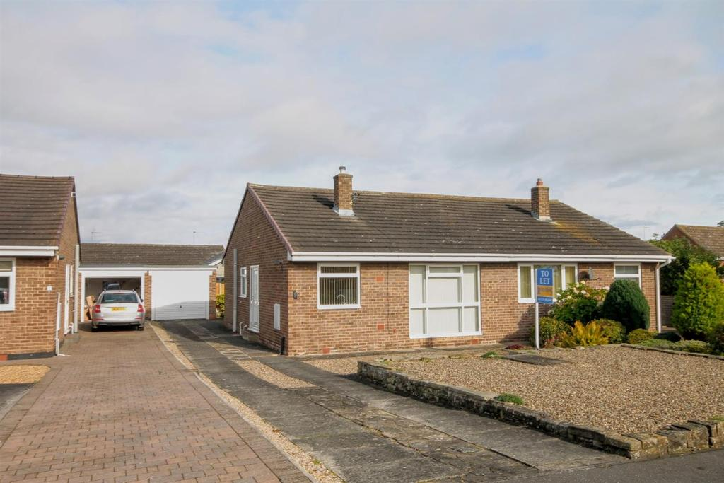 2 Bedrooms Semi Detached Bungalow for rent in Malvern Close, Hurworth, Darlington
