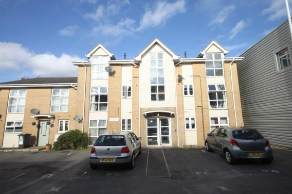 2 Bedrooms Apartment Flat for sale in Melgate Close, Bournemouth