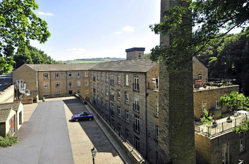 2 Bedrooms Apartment Flat for sale in Heritage Mill, Brook Lane, Golcar, Huddersfield, HD7