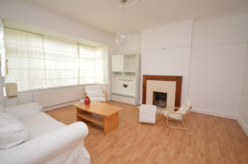 3 Bedrooms Semi Detached House for sale in Amyruth Road Brockley SE4