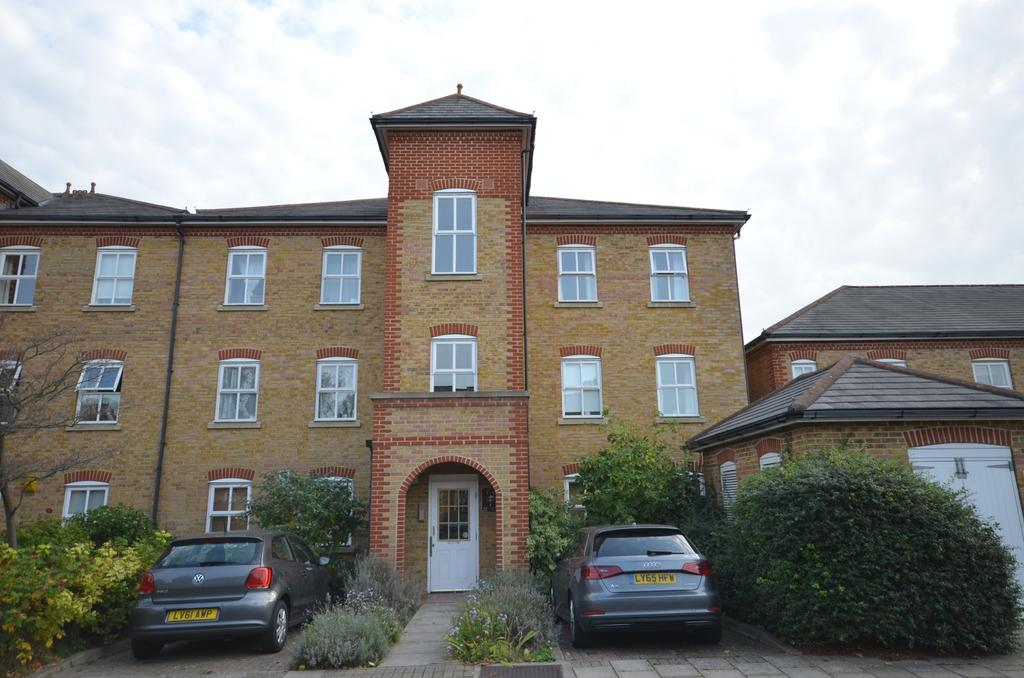 2 Bedrooms Flat for sale in Lullingstone Lane Hither Green SE13