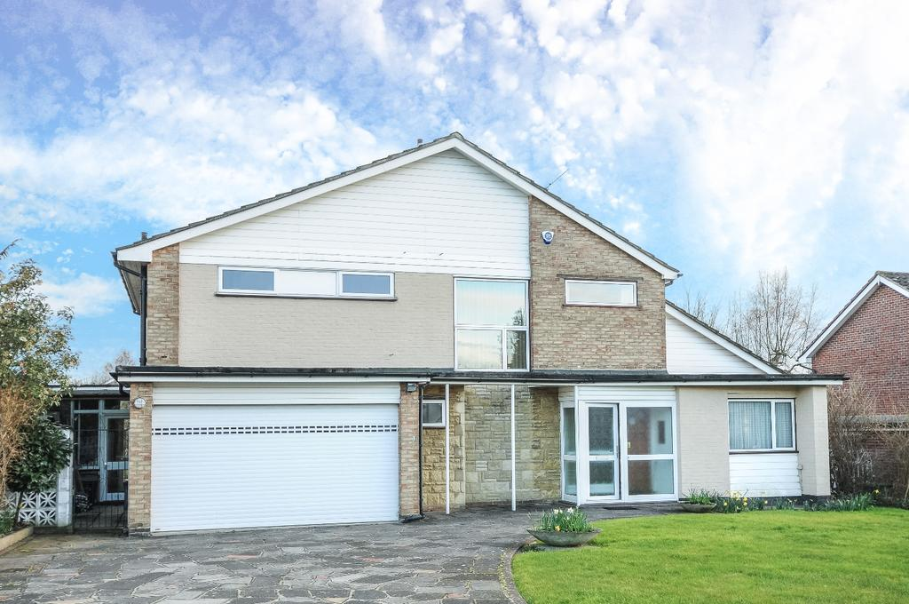4 Bedrooms Detached House for sale in The Spinneys BR1