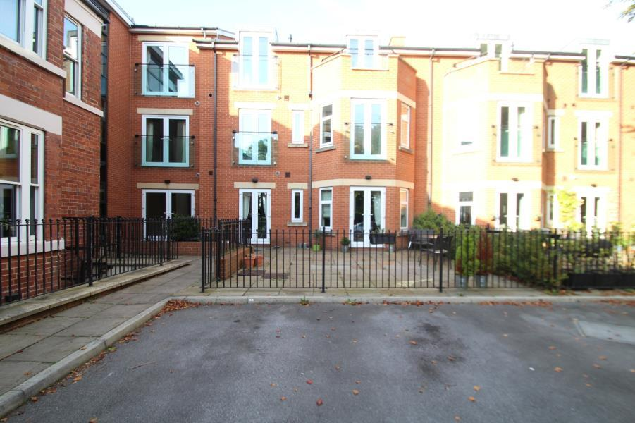 2 Bedrooms Apartment Flat for sale in THE HALL, ALLERTON HILL, CHAPEL ALLERTON, LS7 3NZ