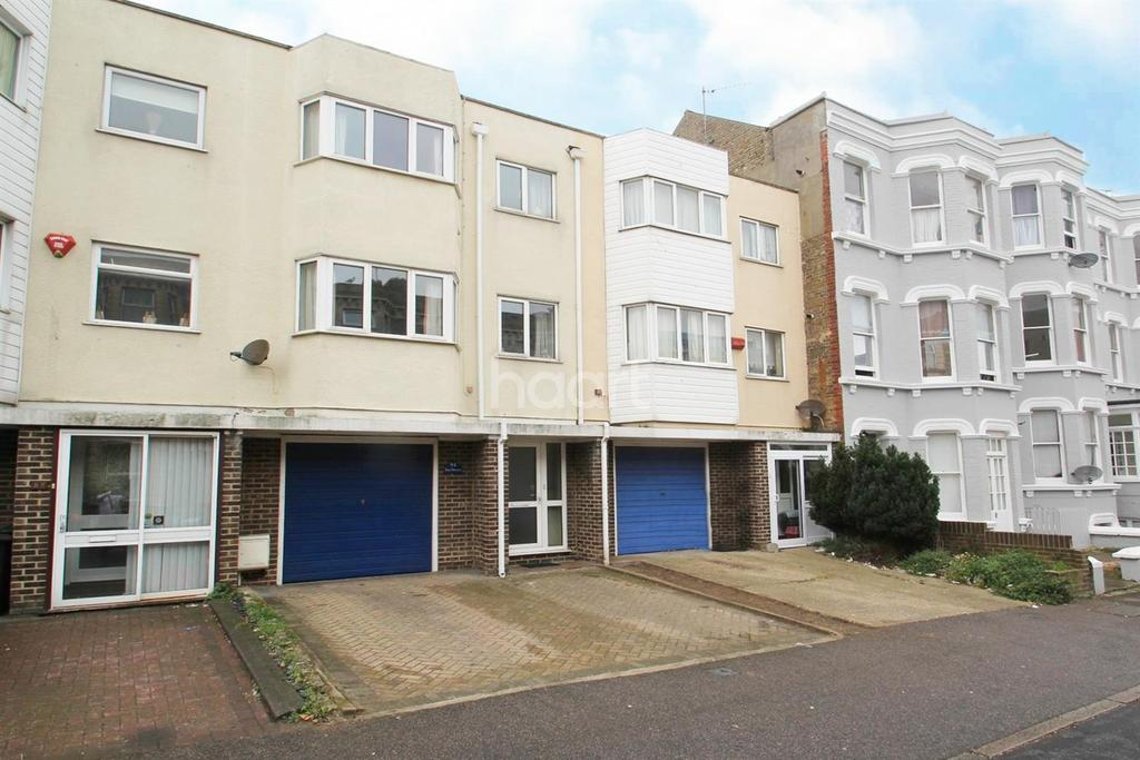 3 Bedrooms Terraced House for sale in Edgar Road, Margate, CT9