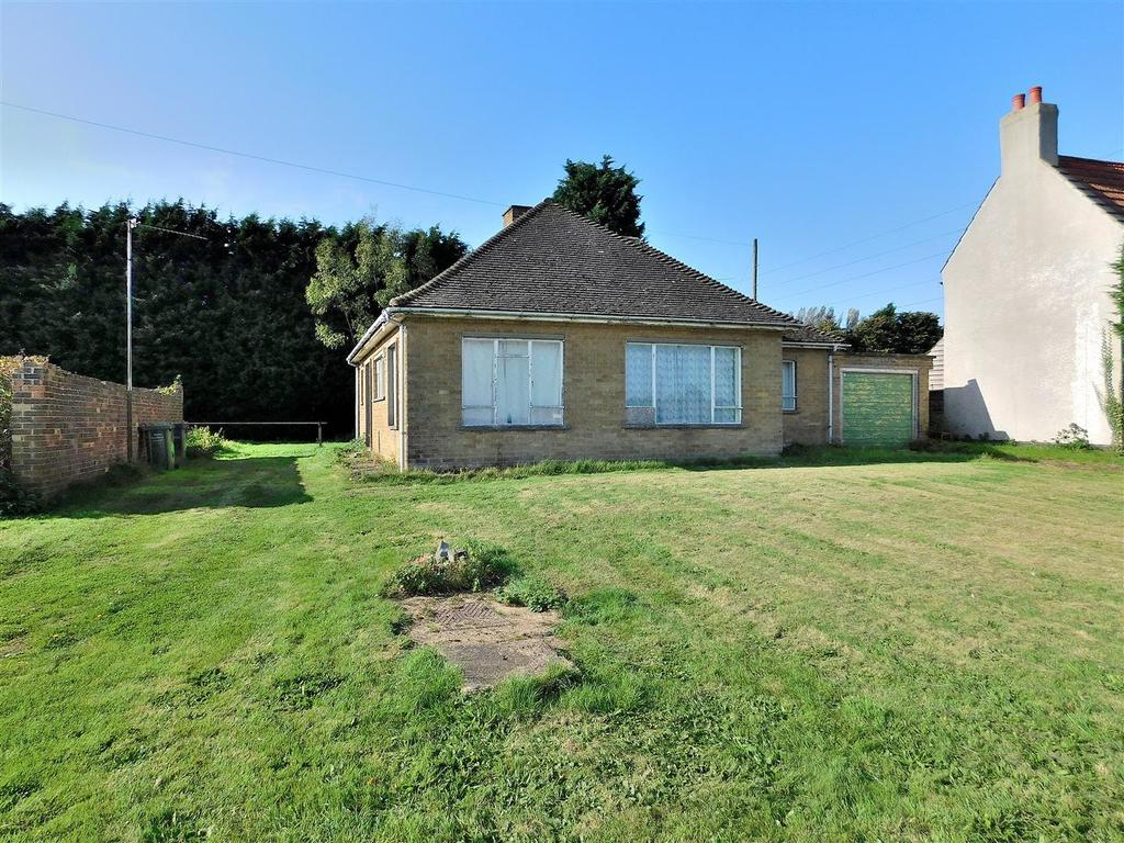 3 Bedrooms Detached Bungalow for sale in Mill Road, Walpole Highway, Wisbech