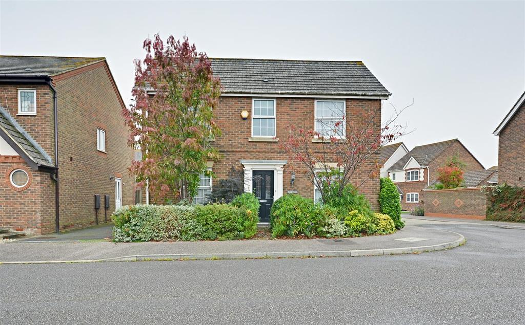 3 Bedrooms Detached House for sale in Hornbeam Avenue, Bexhill-On-Sea