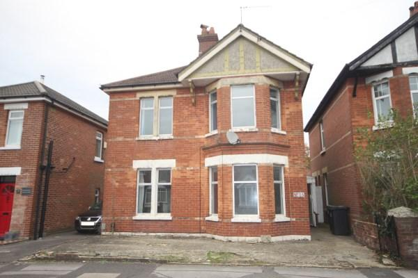 4 Bedrooms Detached House for sale in Ensbury Park Road, Bournemouth