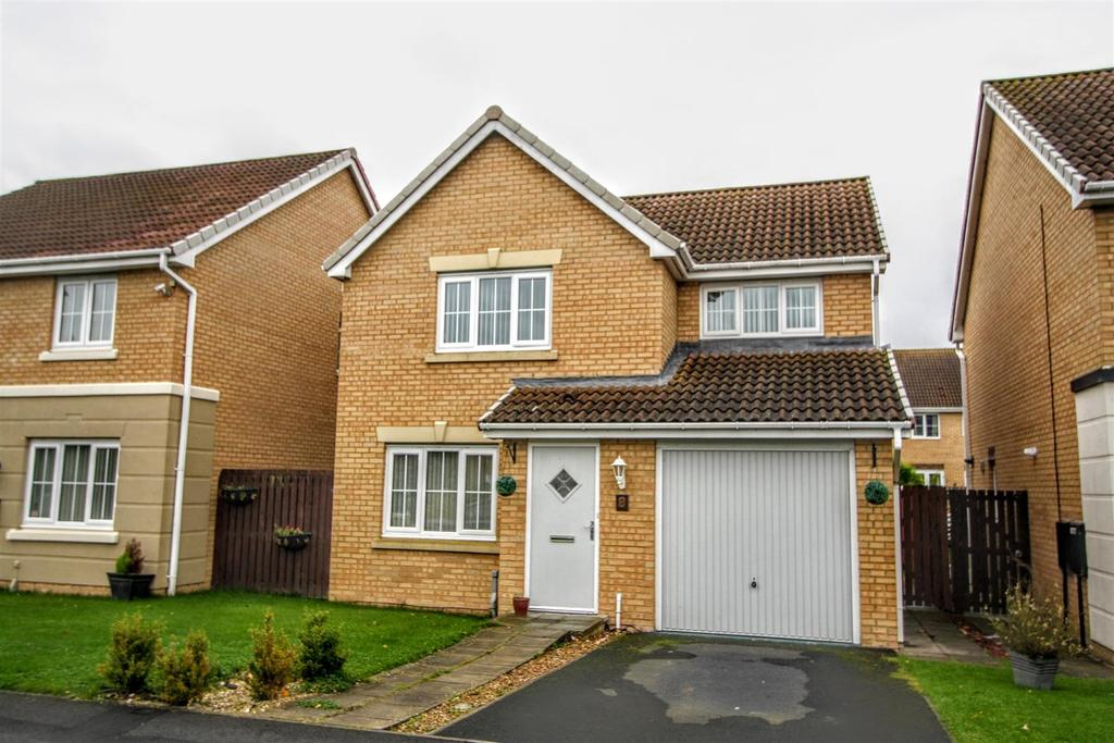 3 Bedrooms Detached House for sale in Warren Close, Darlington